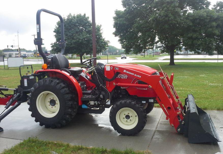 Branson 3015H Tractor