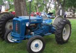 Ford 2000 Vintage Tractor