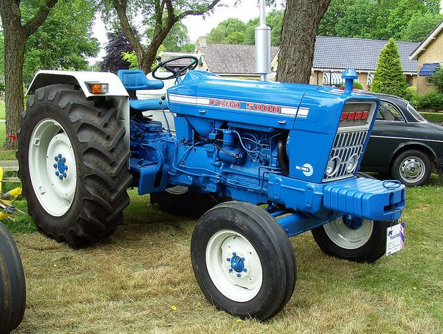 Ford 5000 Vintage Tractor Price Specifications Features