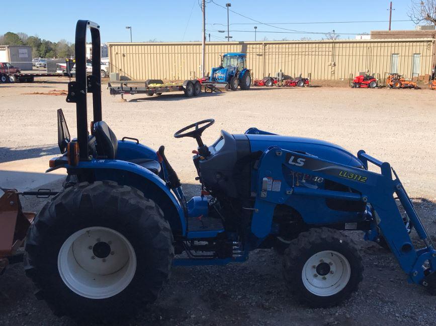 LS XG3140 Compact Tractors