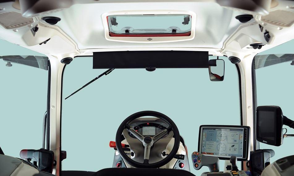 McCormick X8 VT Drive Series Tractor cab