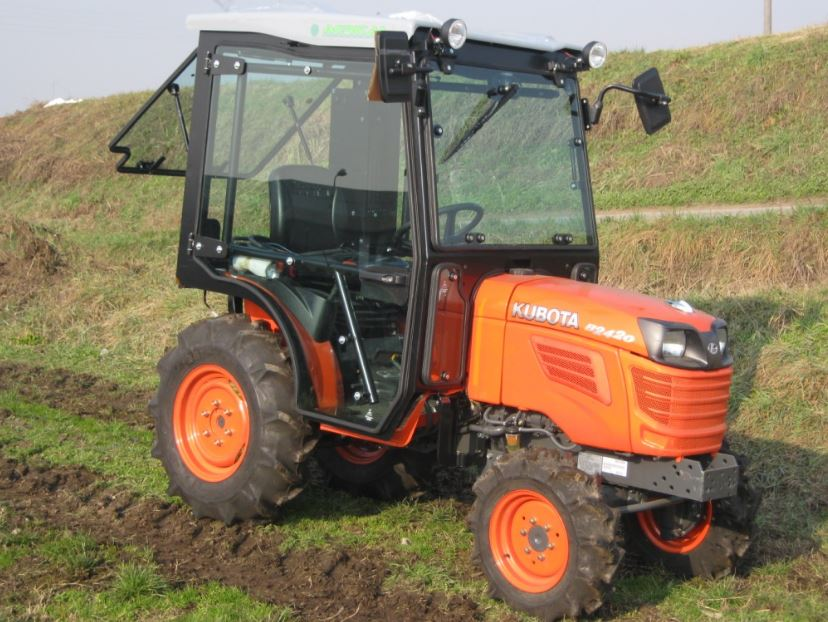 Kubota B2420 Compact Tractor Specifications