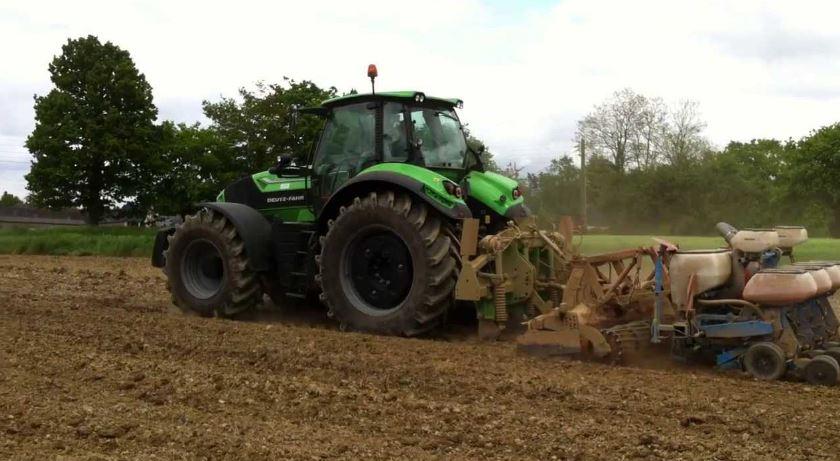 DEUTZ-FAHR 7230 TTV Agrotron Tractor specs