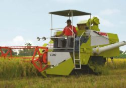 CLASS CROP TIGER 30 TERRA TRAC Combine Harvester Overview