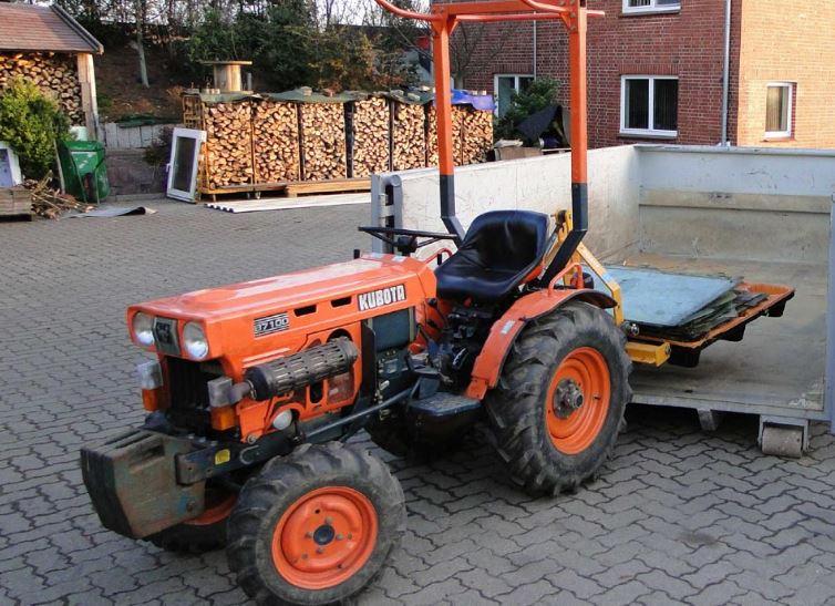 Kubota B7100 Tractors Overview