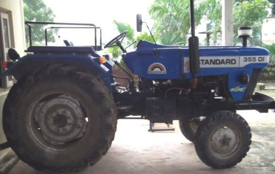 Standard DI 355 Tractor