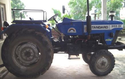 Standard DI 450 Tractor