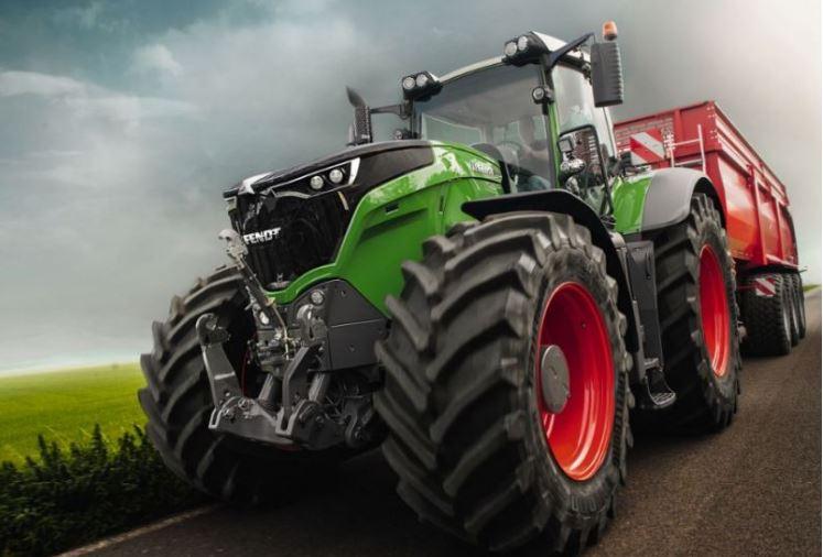Fendt-1050-Vario-Tractor