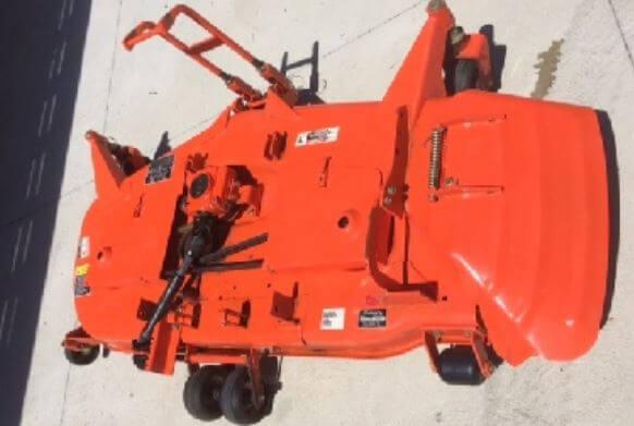 Kubota-B2650-Tractor-Mid-Mount-Mower