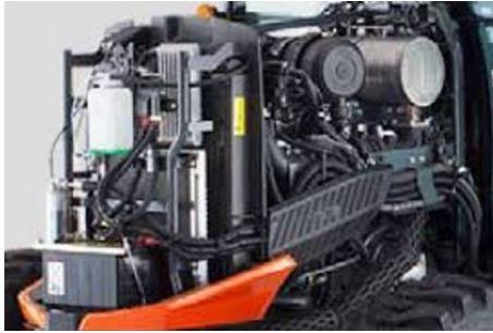 Kubota-L3560-Tractor-engine