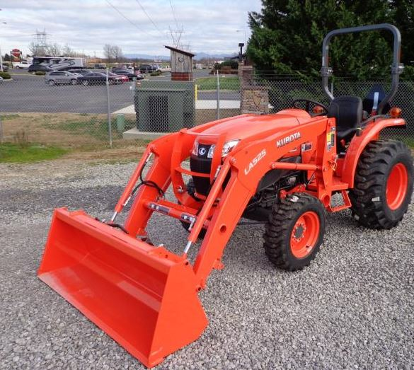 Kubota-L3901-Tractor-with-front-loader