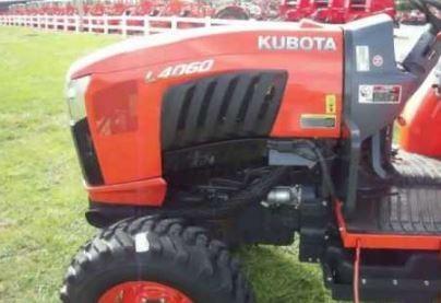 Kubota-L4060-tractor-fuel-tank
