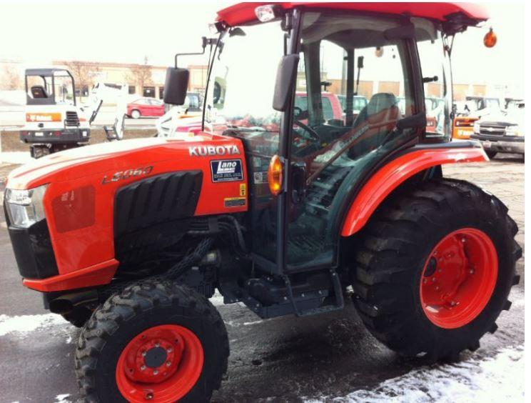 Kubota-L6060-Tractor-cab