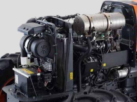 Kubota-M5660-Tractor-engine
