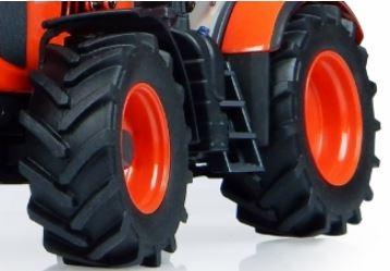 Kubota-M7-171-Tractor-tire