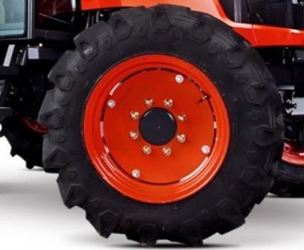 Kubota-M7060-Tractor-Tire