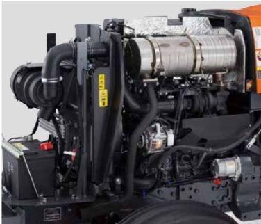 Kubota-MX-series-Tractor-engine