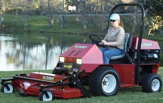 Steiner 235 Tractor