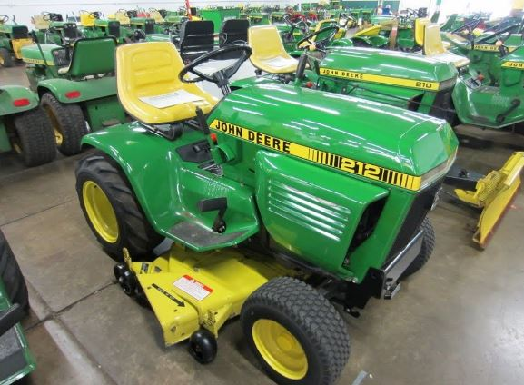 John Deere 212 Price, Review, Specs & Transmission Features