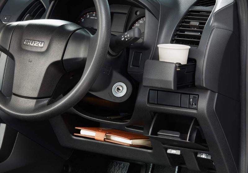 ISUZU D-MAX S-Cab Pickup utlity 2