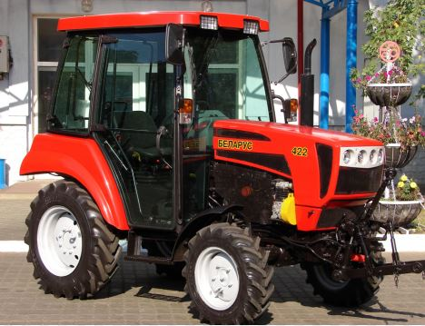 BELARUS 422 Small Tractor