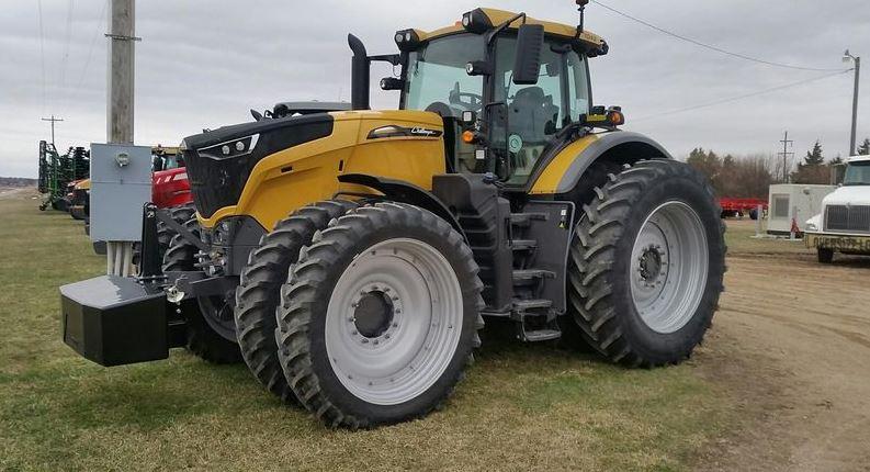 Challenger 1042 Tractor