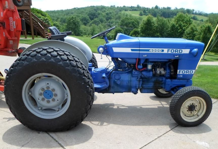 Ford 4000 Vintage Tractor