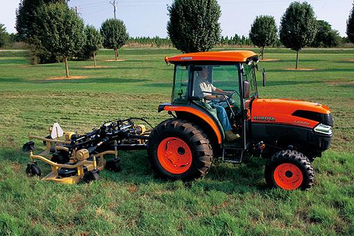 Fuel tank of kubota L5240 tractor