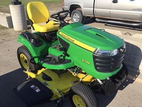 John Deere X734 Lawn Tractor