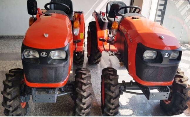 Kubota B2441 4WD Mini Tractor