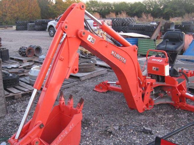 Kubota-L4701-Tractor-BH92-Backhoe
