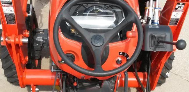 Kubota-L4701-Tractor-power-steering