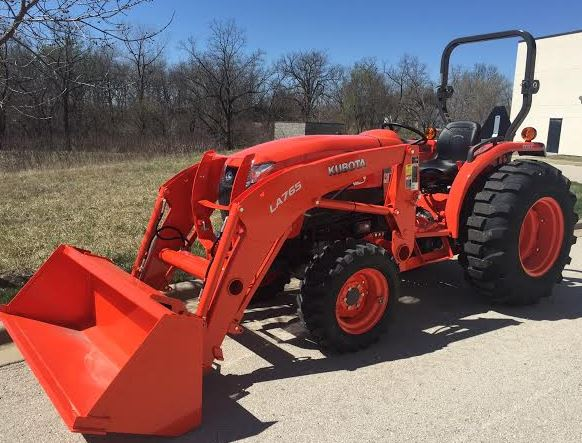 Kubota-L4701-Tractor