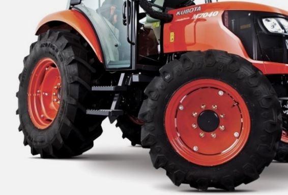 Kubota-M704-Tire