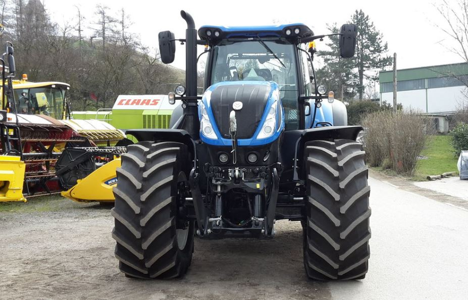New Holland T7 Heavy Duty Tractor overview